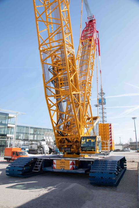 New Demag CC 2800-2 lattice boom crawler crane - www