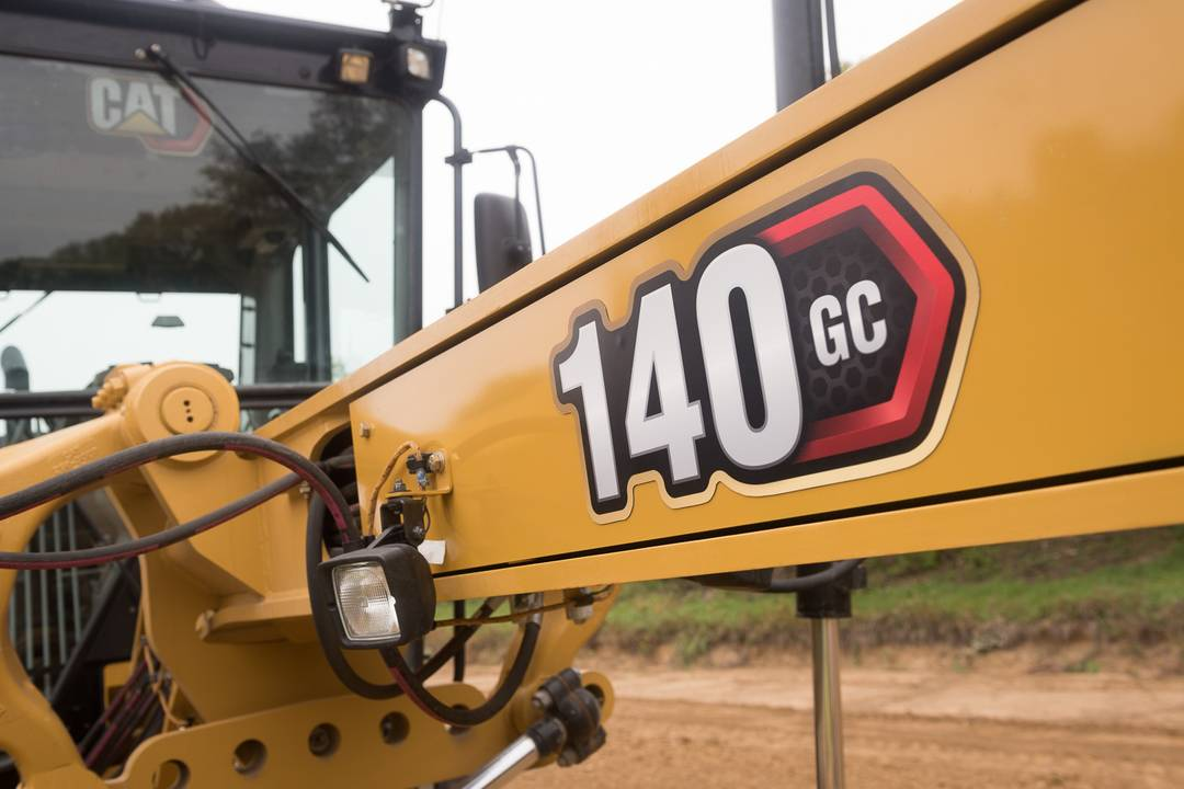 Cat 140 GC motor grader for efficient job performance - www